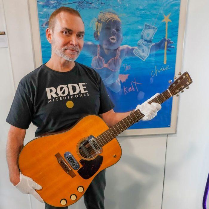 Nirvana: la guitarra de Kurt Cobain se vendió en una ...