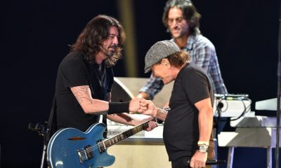 Brian Johnson y Foo Fighters